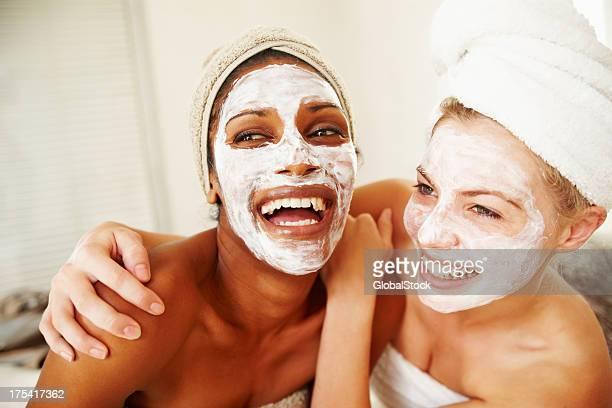 Hautpflege, mit der sie jung und frisch uns