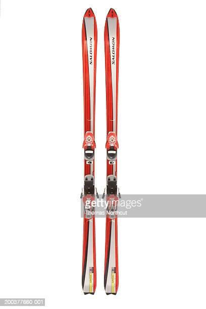 skis - skiing stock pictures, royalty-free photos & images