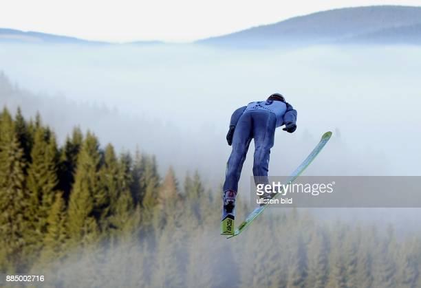 Skispringer beim Weltcup Skispringen in Titisee Neustadt Schwarzwald