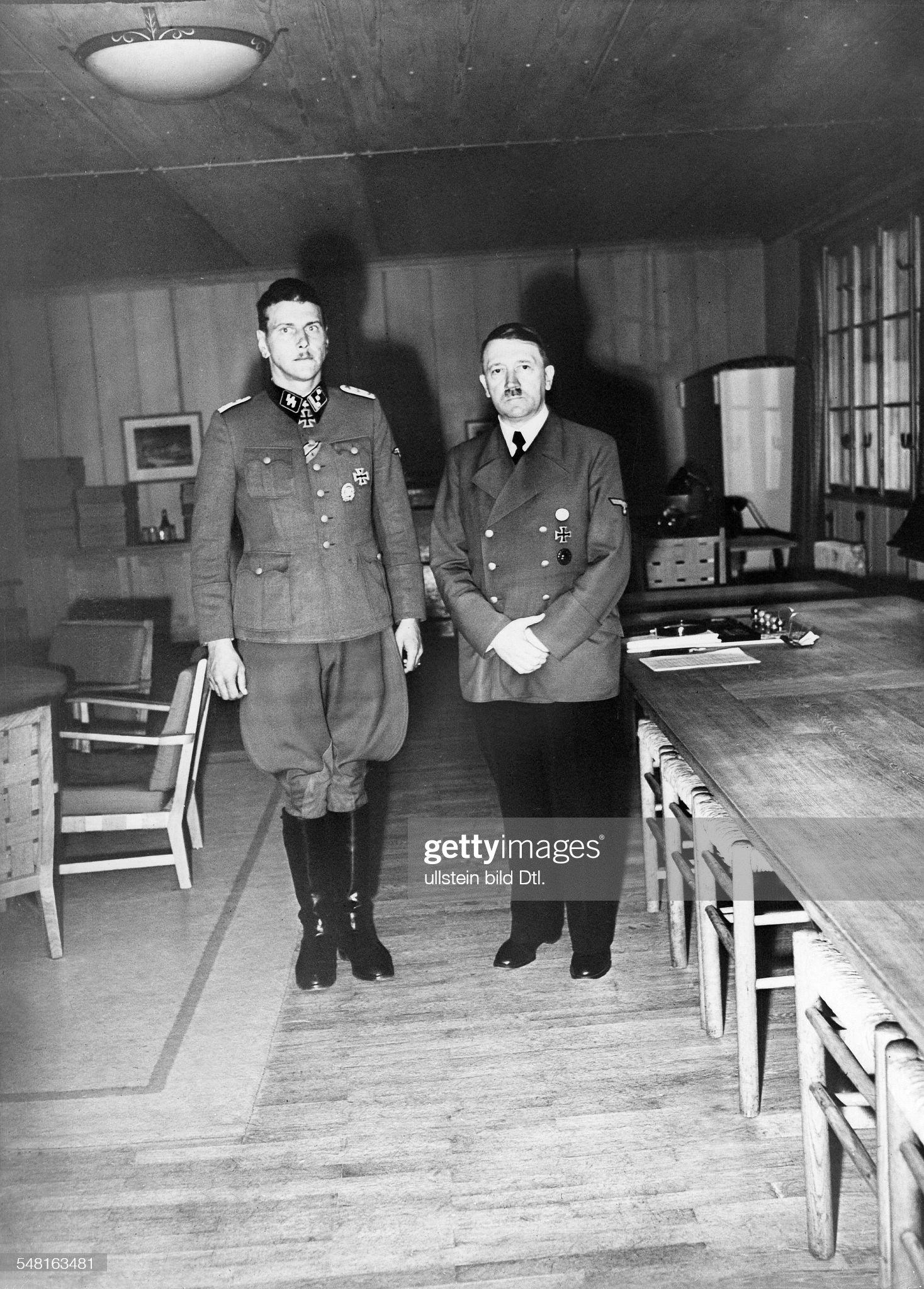 قائد الكوماندوس النازي Otto Skorzeny  Skorzeny-otto-19081975-ssoffizier-d-als-hauptsturmfuehrer-zusammen-picture-id548163481?s=2048x2048