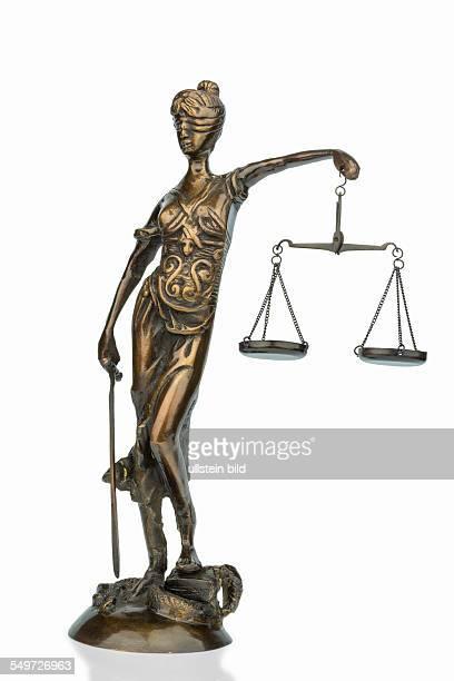 Skulptur der Justizia Symbolfoto für Gerechtigkeit und Rechtsprechung