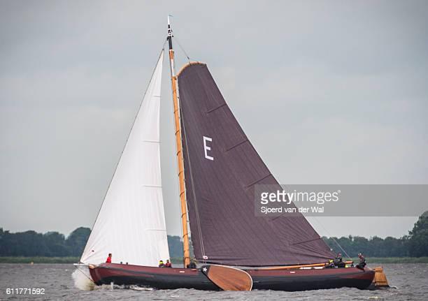 "skutsje classic sailboats during the skutsjesilen races - ""sjoerd van der wal"" stock pictures, royalty-free photos & images"