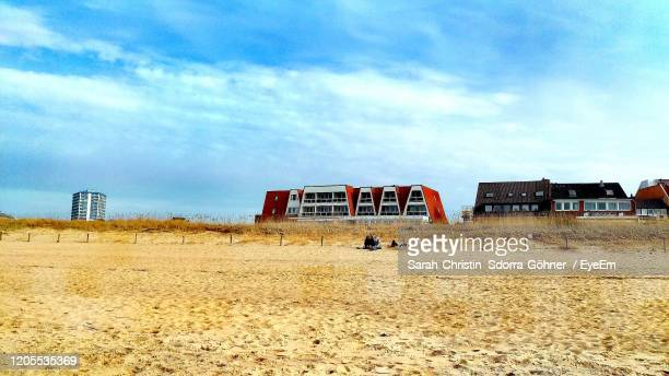 sky and sand - sarah sands stock pictures, royalty-free photos & images