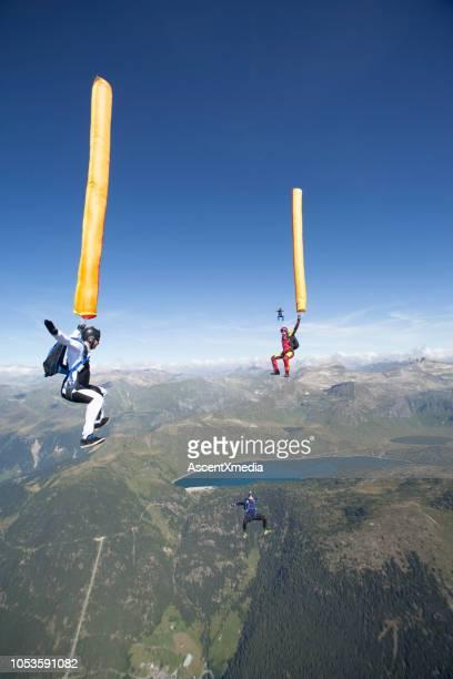 Himmel Taucher umfallen Alpen mit Luftballons