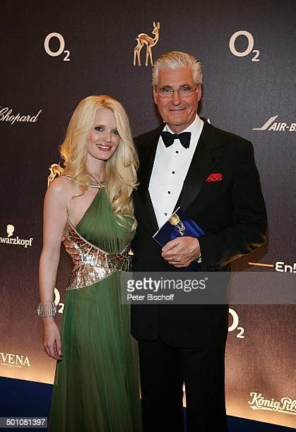 """Sky Dumont, Ehefrau Mirja Becker, Gala, """"Bambi""""-Verleihung, """"Congress Center"""", Düsseldorf, Nordrhein-Westfalen, Deutschland, Europa, Werbepartner,..."""