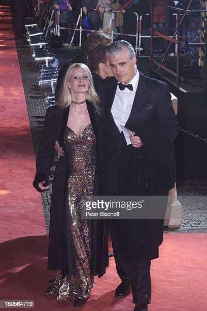 Sky Dumont Ehefrau Mirja Becker GalaVerleihung Die Goldene Kamera vonHörzu Berlin Deutschland Europa Konzerthaus amGendarmenmarkt Anfahrt roter...