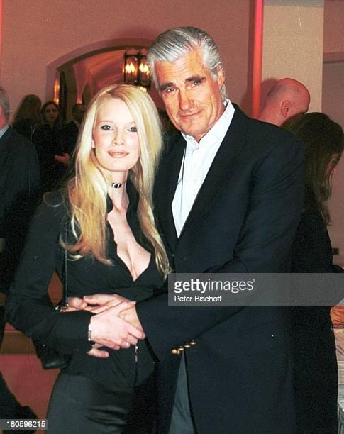 """Sky Dumont, Ehefrau Mirja Becker, Nominierung zum """"Deutschen Filmpreis 2002"""", Hotel """"Adlon"""", Berlin, Frau,"""