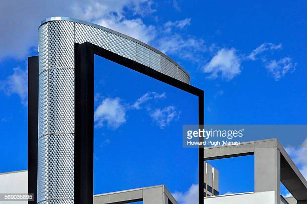 sky screen advert - howard pugh stock pictures, royalty-free photos & images