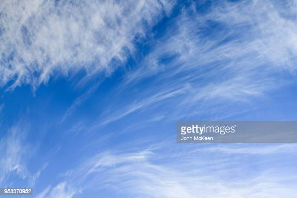 sky texture - wispy stock photos and pictures