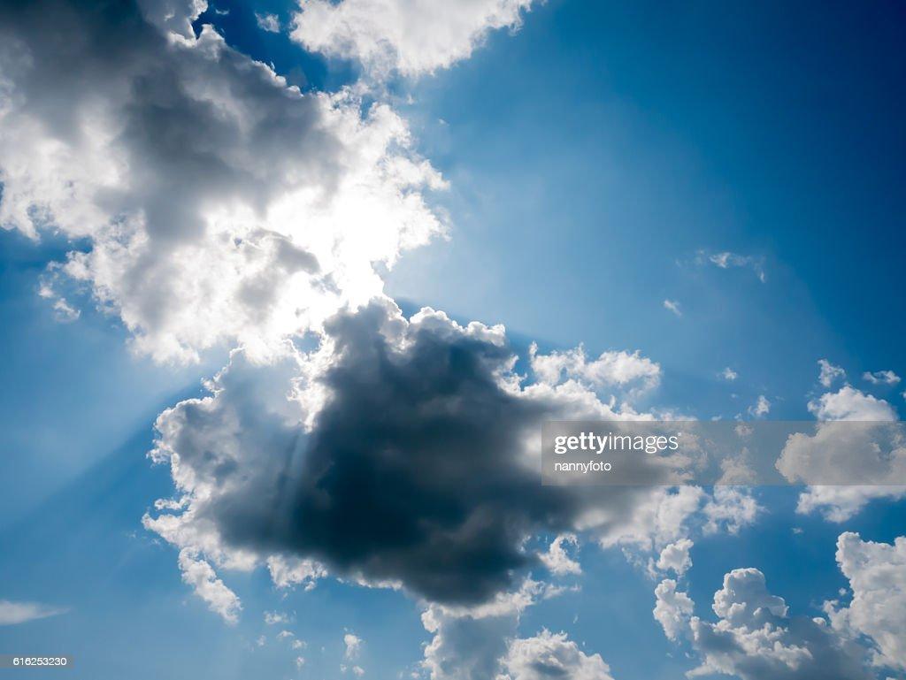 Himmel mit Wolken  : Stock-Foto