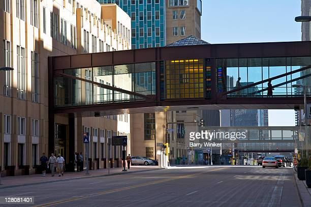 skybridges connecting office buildings in downtown minneapolis, minnesota, midwest, usa - minneapolis stock pictures, royalty-free photos & images