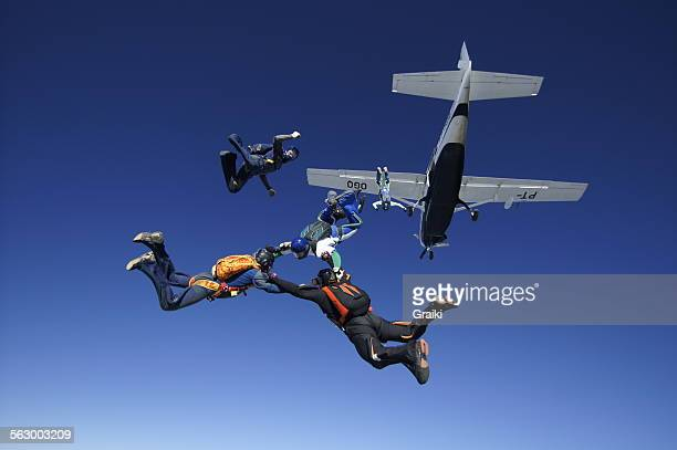Skydiving formation exit