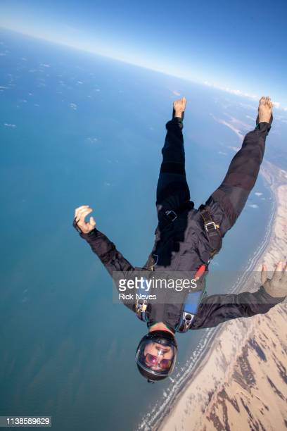 skydiving man in free fall - barreirinhas stock pictures, royalty-free photos & images