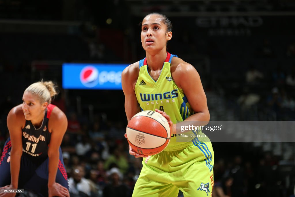 Skylar Diggins-Smith #4 of the Dallas Wings shoots a free throw during a game against the Washington Mystics on June 18, 2017 at the Verizon Center in Washington, DC.