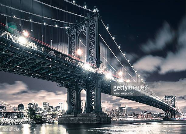 nyc skyline and manhattan bridge - brooklyn bridge stock pictures, royalty-free photos & images