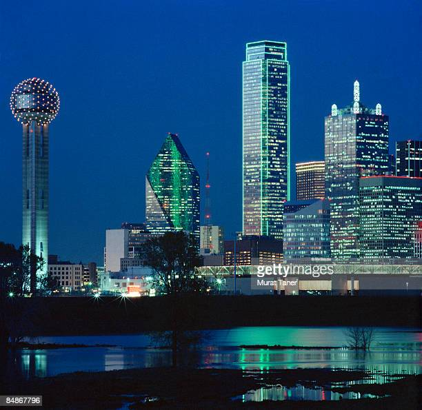 Skyline and Reunion Tower at dusk