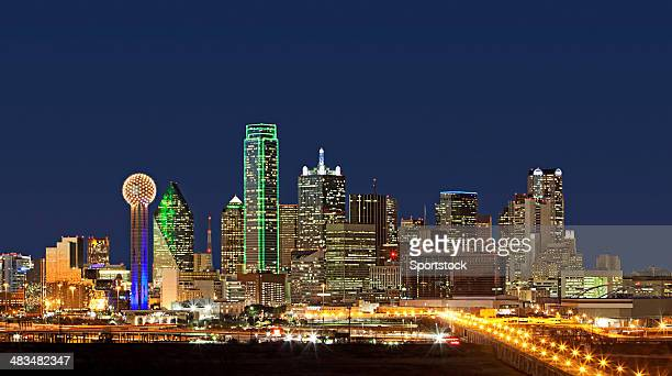 skyline - dallas, texas - dallas stock pictures, royalty-free photos & images