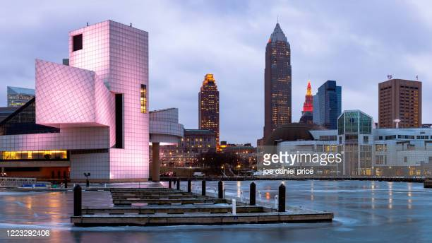 skyline, early morning, cleveland, ohio, america - rock and roll hall of fame cleveland stock pictures, royalty-free photos & images