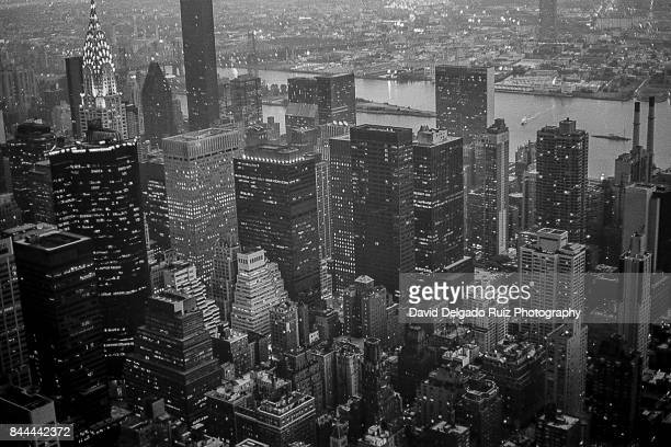 skyline from heaven new york betches mobile call - david delgado ruiz stock-fotos und bilder