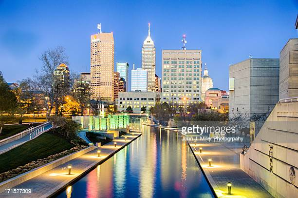 skyline indianapolis - indiana stock pictures, royalty-free photos & images