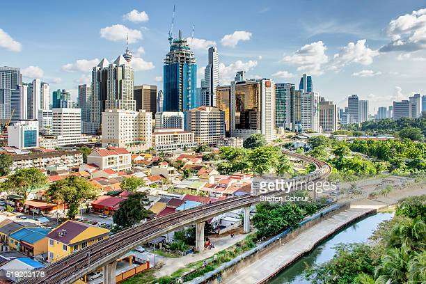 skyline kuala lumpur nice day railroad track local traffic transport - nord frankrijk stockfoto's en -beelden