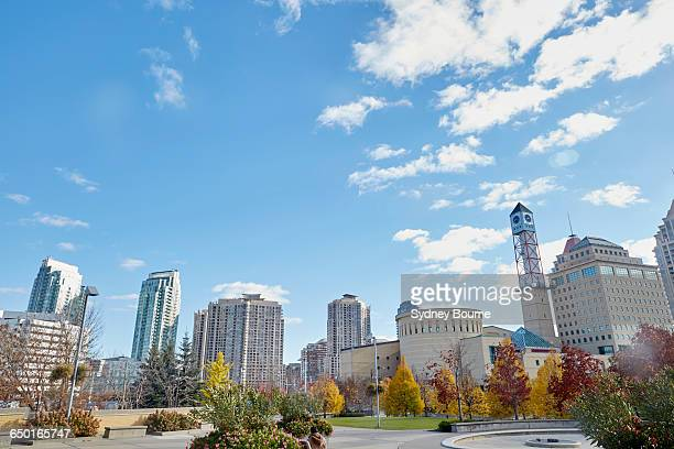 skyline, mississauga, canada - mississauga stock pictures, royalty-free photos & images