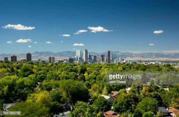 skyline, neighborhoods, front range, rocky mountains, denver, colorado - front range mountain range stock pictures, royalty-free photos & images