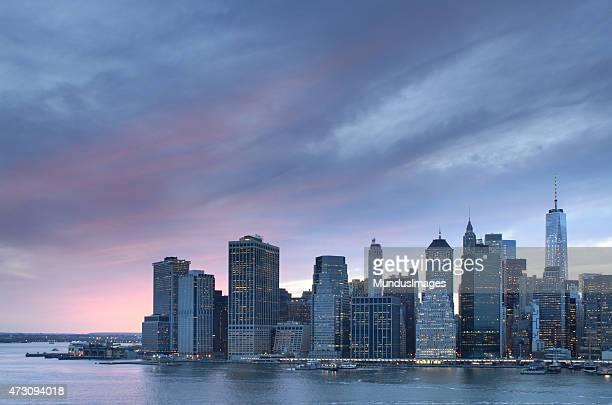 New York City mit dem World Trade Center bei Sonnenuntergang