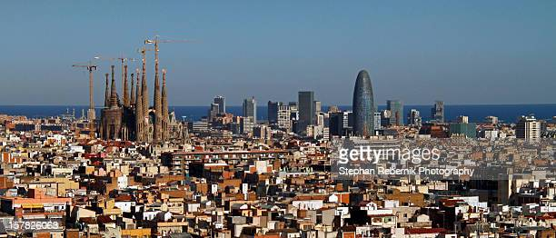 skyline of barcelona - stephan rebernik ストックフォトと画像