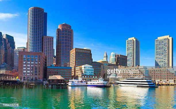 skyline of boston, massachusetts - boston massachusetts stock pictures, royalty-free photos & images