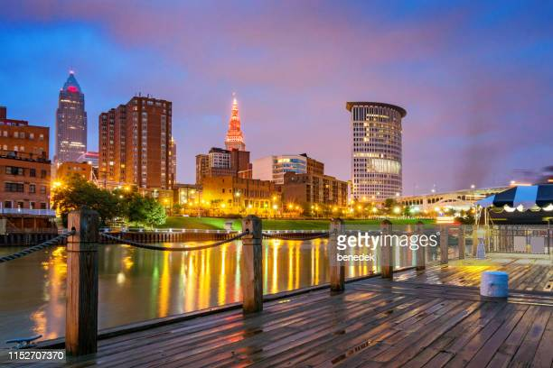 skyline of downtown cleveland ohio usa - cleveland ohio stock pictures, royalty-free photos & images
