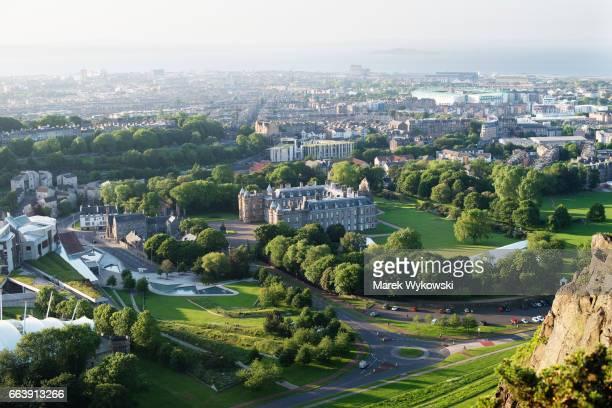 skyline of edinburgh, scotland - holyrood palace stock pictures, royalty-free photos & images