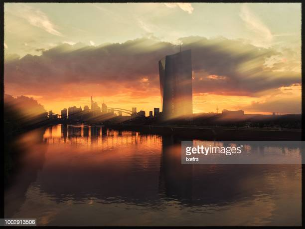 skyline of frankfurt am main city at sunset - skyscraper film stock pictures, royalty-free photos & images