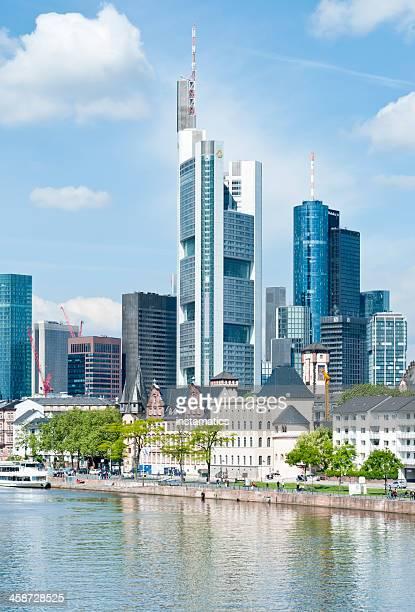 skyline of frankfurt am main - frankfurt main tower stock pictures, royalty-free photos & images