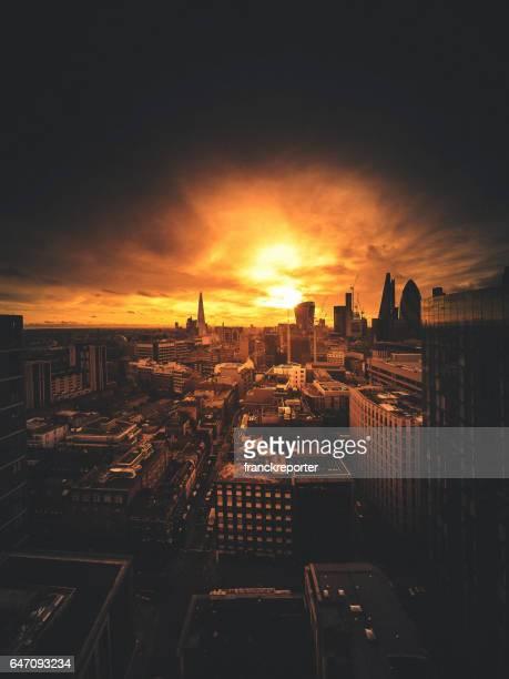 skyline of london at dusk