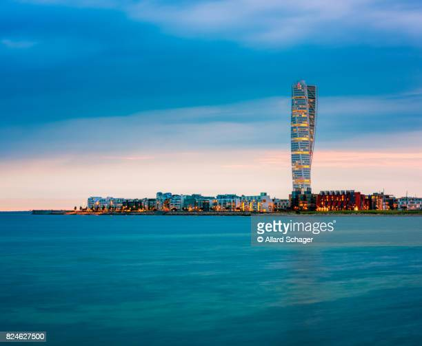 skyline of malmo sweden with famous turning torso building - regione dell'oresund foto e immagini stock