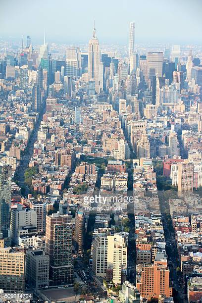 skyline of midtown manhattan - avenue stock pictures, royalty-free photos & images