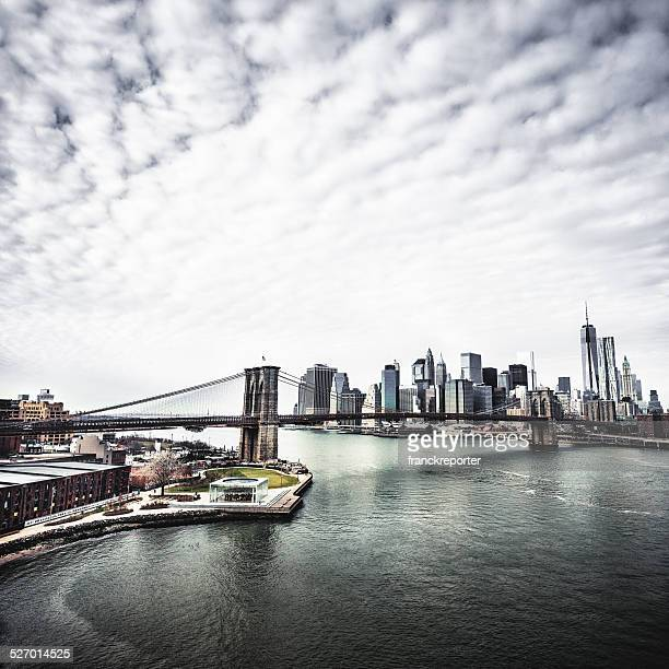 skyline of new york city with brooklyn bridge