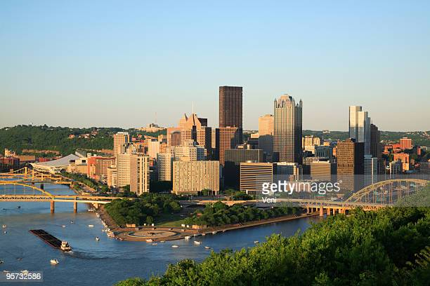 skyline view of pittsburgh, pennsylvania - barge stock photos and pictures