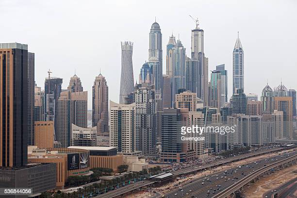 skyscrapers at dubai marina - gwengoat stock pictures, royalty-free photos & images