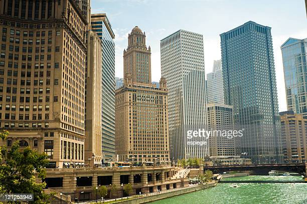 skyscrapers in chicago - wacker drive stock photos and pictures