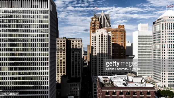skyscrapers in city - detroit skyline stock pictures, royalty-free photos & images