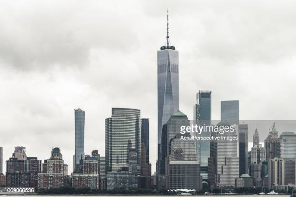 skyscrapers in downtown manhattan, new york - wall street lower manhattan stock pictures, royalty-free photos & images