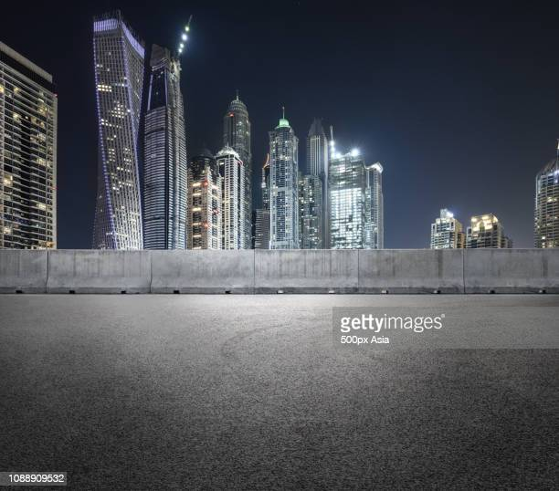 skyscrapers in dubai - image stockfoto's en -beelden