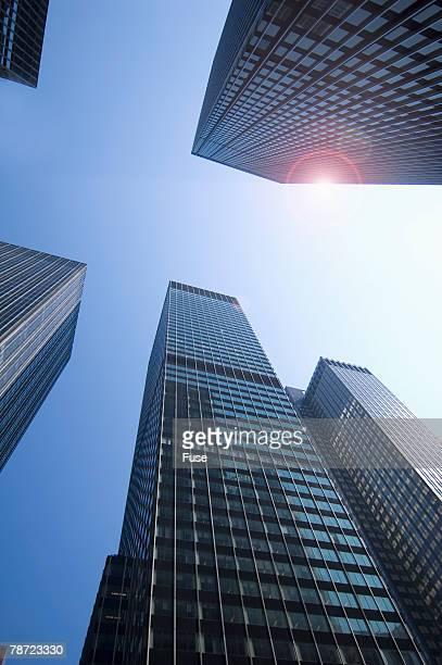 skyscrapers in midtown new york - ニューヨーク郡 ストックフォトと画像