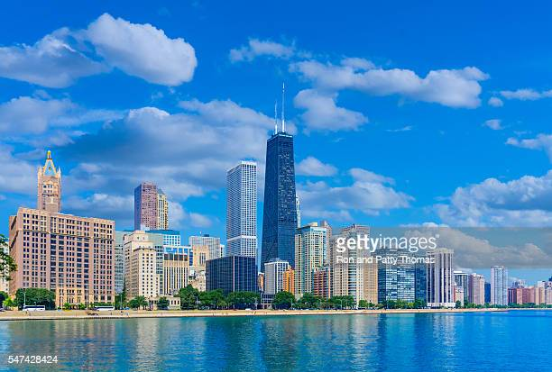 skyscrapers of chicago illinois skyline,lake michigan (p) - chicago illinois stock pictures, royalty-free photos & images