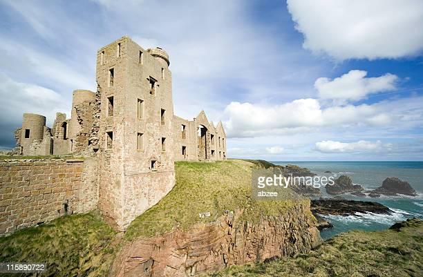 slains castle scotland wide angle - castle stock pictures, royalty-free photos & images
