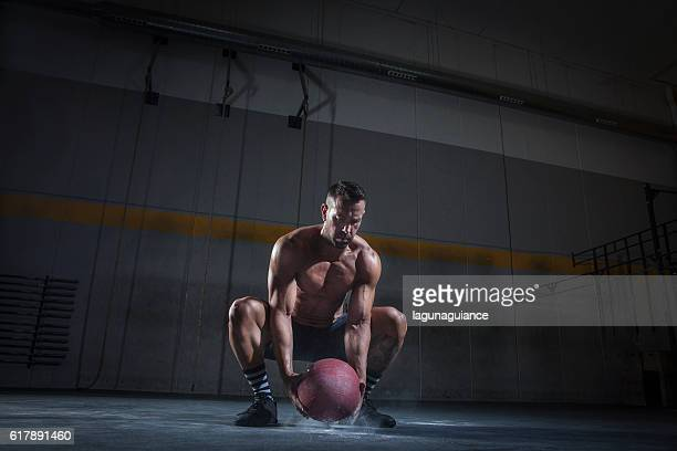 slam ball - medicine ball stock pictures, royalty-free photos & images
