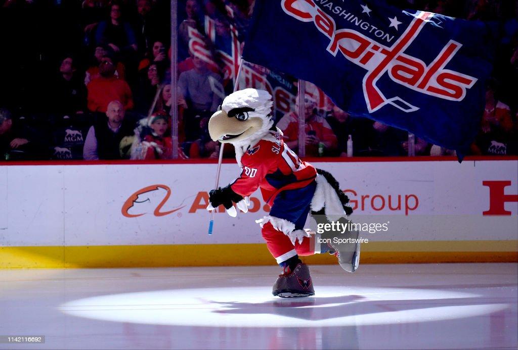 NHL: APR 04 Canadiens at Capitals : News Photo