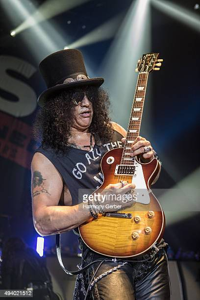 Slash performs at Hollywood Palladium on October 23 2015 in Los Angeles California